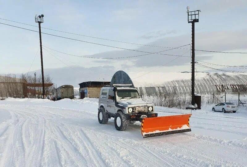 Северянин показал, как сделать из внедорожника снегоуборщик